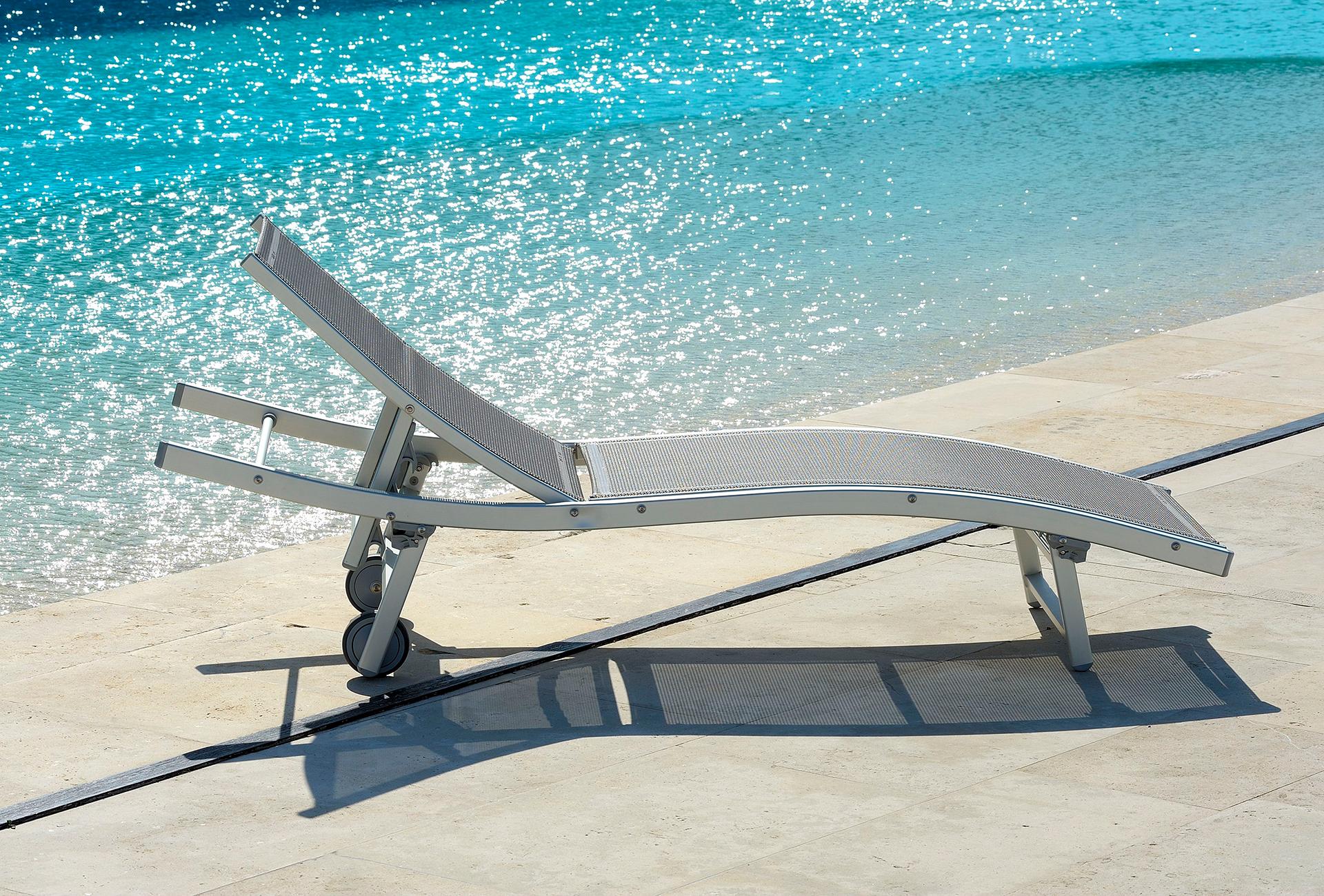 lettino chaise longue onda